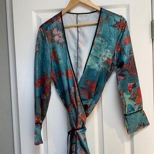 Stunning Kimono style jacket/Robe